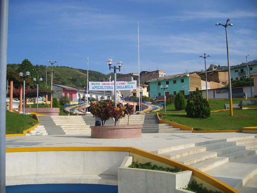 20110103223510-ciudad-fronteriza-de-san-ignacio-peru.jpg